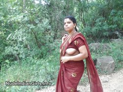 Tamil Aunty Nude in Jungle Showing her Boobs & Pussy To Lover